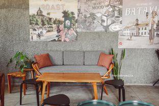 Foto 23 - Interior di Roast Coffee oleh Indra Mulia