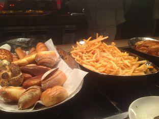 Foto 6 - Makanan di The Cafe - Hotel Mulia oleh Annisa Putri Nur Bahri