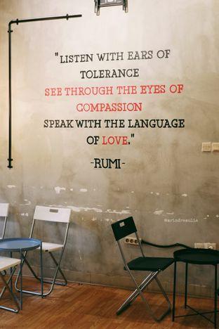 Foto 7 - Interior di Diskusi Kopi dan Ruang Berbagi oleh Indra Mulia