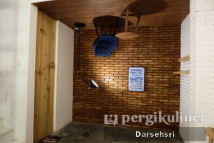 Foto 7 - Interior di Coffeeright oleh Darsehsri Handayani