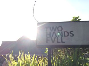Foto review Two Hands Full oleh Elvira Sutanto 2