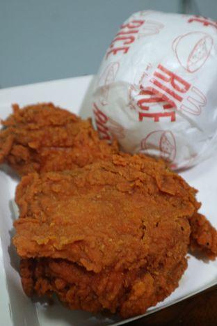 Foto 3 - Makanan di McDonald's oleh thehandsofcuisine