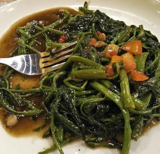 Foto 2 - Makanan di Kangkung Bakar oleh Mitha Komala