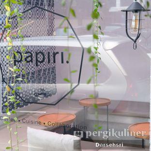 Foto review Papiri oleh Darsehsri Handayani 5