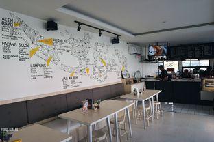 Foto 9 - Interior di Viverri Coffee oleh Foodlalalaa