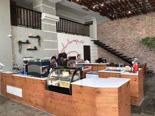 Foto 6 - Interior di Poach'd Brunch & Coffee House oleh Budi Lee