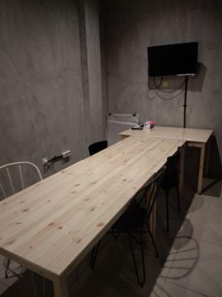 Foto 10 - Interior di Diskusi Kopi dan Ruang Berbagi oleh Eunice
