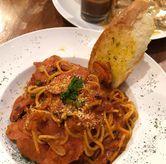 Foto Spaghetti-tomato sauce-sausage di B'Steak Grill & Pancake
