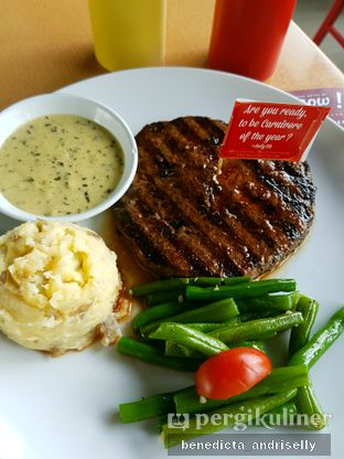 Foto 6 - Makanan di Steak Hotel by Holycow! oleh ig: @andriselly