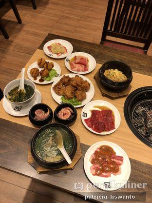 Foto 2 - Makanan(garlic fried rice & chicken & Karubi & rosu & ramen & miso & karage & shabu karubi & croquet) di Gyu Kaku oleh Patsyy
