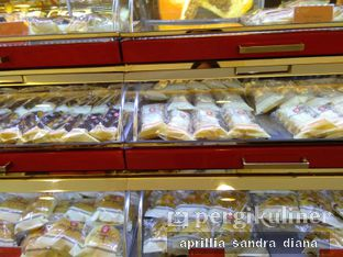 Foto 3 - Makanan di Holland Bakery oleh Diana Sandra