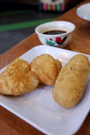 Foto 3 - Makanan(Pempek) di Mie Onlok Palembang oleh David Sugiarto
