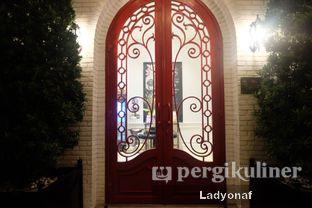 Foto 6 - Interior di Red Door Koffie House oleh Ladyonaf @placetogoandeat