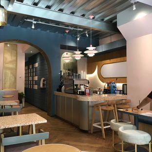 Foto 10 - Interior di Mae Coffee & Eatery oleh Della Ayu