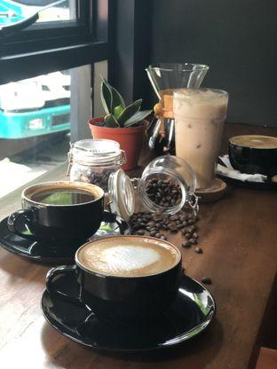 Foto 1 - Makanan di Lock On Coffee oleh Nanakoot