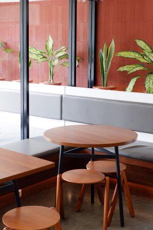 Foto 17 - Interior di Routine Coffee & Eatery oleh yudistira ishak abrar