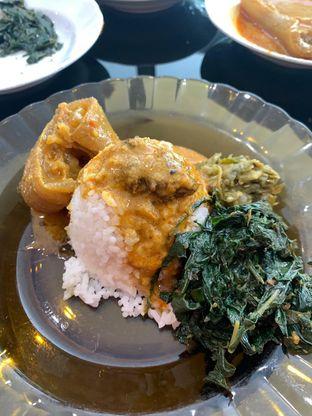 Foto 3 - Makanan di RM Padang Bu Mus oleh Rurie