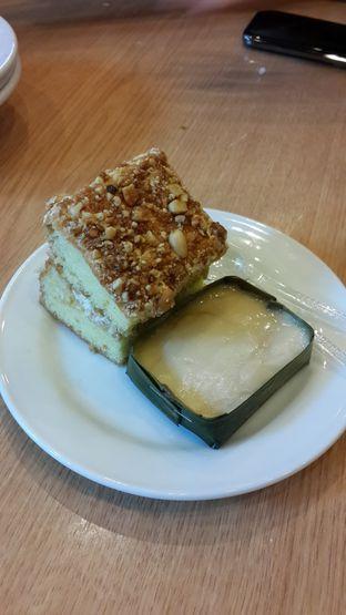 Foto 1 - Makanan(Kue Nogat, Kue Popaco Durian) di Restoran Beautika Manado oleh Chrisilya Thoeng