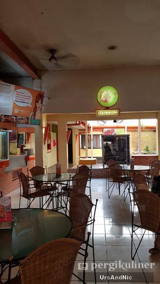 Foto 7 - Interior di Ya Udah Bistro oleh UrsAndNic