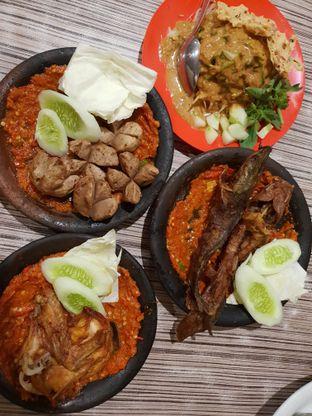 Foto 1 - Makanan di Warung Bu Kris oleh @Perutmelars Andri