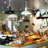 Foto di sTREATs Restaurant - Ibis Styles Sunter