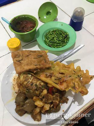Foto 1 - Makanan di Warteg Gang Mangga oleh bataLKurus