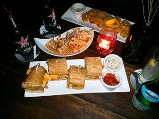 Foto 1 - Makanan di Beer Garden oleh Vicky Angdi