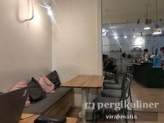 Foto Interior di Titik Koma Coffee
