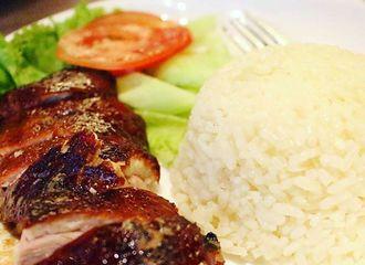 12 Nasi Hainam Enak di Jakarta yang Bikin Kamu Kekenyangan