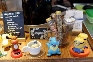 Foto 7 - Interior di Cupten Cafe oleh Deasy Lim