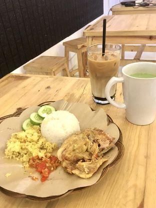 Foto review Legend Cafe & Resto oleh Prido ZH 14
