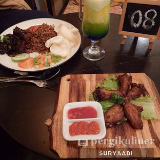 Foto 11 - Makanan(Chicken Wings) di Grand Father Coffee Shop oleh Surya Adi Prakoso
