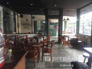 Foto 3 - Interior di Identic Coffee oleh Icong