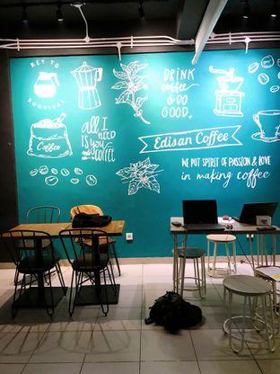 Foto 10 - Interior di Edisan Coffee oleh yudistira ishak abrar