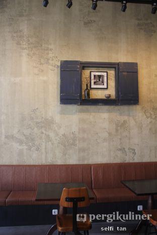 Foto 4 - Interior di Ombe Kofie oleh Selfi Tan