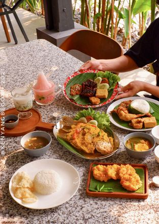 Foto review Delima Authentic Indonesian Food oleh Vionna & Tommy 14
