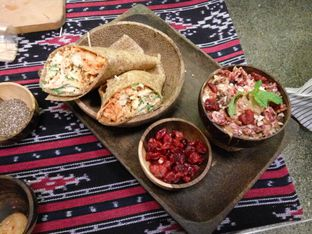 Foto 1 - Makanan(Tempe Gomashio) di Burgreens Express oleh Clara Yunita