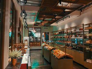 Foto 7 - Interior di New Lareine Coffee oleh Fajar | @tuanngopi