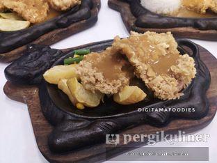 Foto 3 - Makanan di Waroeng Steak & Shake oleh Andre Joesman