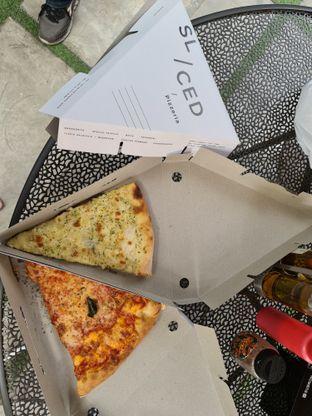 Foto 5 - Makanan di Sliced Pizzeria oleh vio kal