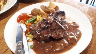 Foto 1 - Makanan di Joni Steak oleh Eat Drink Enjoy