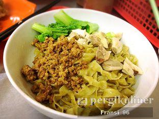 Foto 2 - Makanan di Bakmi Jembatan Tiga oleh Fransiscus