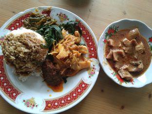 Foto - Makanan di RM Pondok Minang Jaya oleh Ugi Mars