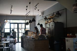 Foto 4 - Interior di Monomania Coffee House oleh BUKUmenuku
