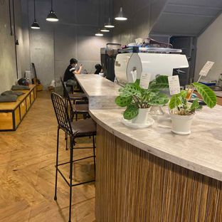 Foto 13 - Interior di Emmetropia Coffee oleh Levina JV (IG : @levina_eat & @levinajv)