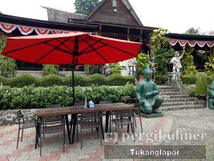 Foto 19 - Eksterior di Grand Garden Cafe & Resto oleh Nefinafila