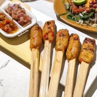 Foto 3 - Makanan(Sate lilit ayam) di Taliwang Bali oleh Stellachubby