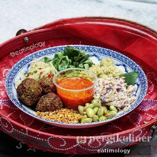 Foto - Makanan di The Betawi Salad oleh EATIMOLOGY Rafika & Alfin