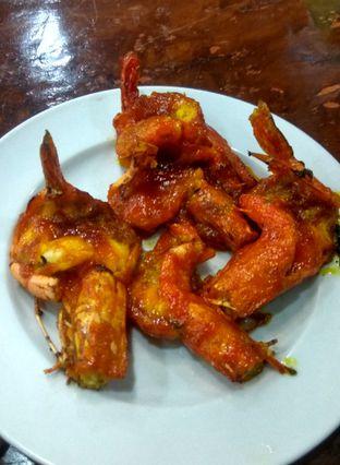 Foto 2 - Makanan(Udang Bakar Saos Makasar (IDR 45k)) di Sandjaja & Seafood oleh Renodaneswara @caesarinodswr