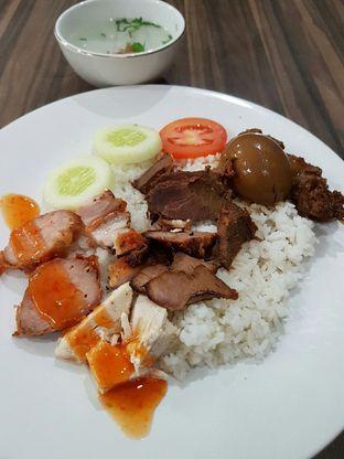 "Foto 2 - Makanan di Soto Mie ""AGIH"" Sukabumi oleh Olivia @foodsid"